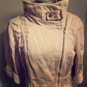 Super chic French Connection fabric jacket
